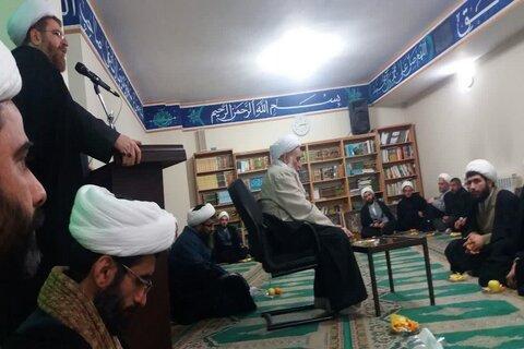 نشست صمیمی اساتید و مدیران مدارس علمیه شهر کرمانشاه با آیت الله علماء