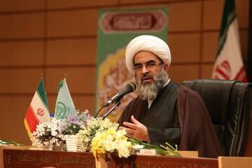 ضرورت وجود یک کارشناس واقعی دین از دکتر متخصص بیشتر است/ با ۲۰ درصد فقه، نظام اسلامی برپا شد