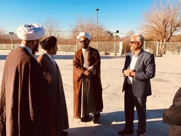 مدیرکل اوقاف فارس از امامزاده حسین(ع) کازرون بازدید کرد