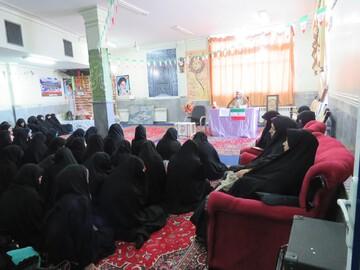 نشست بصیرت انتخابات در مدرسه علمیه زینبیه میانه برگزار شد