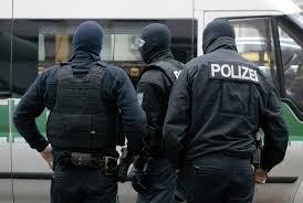 ۱۲ نژادپرست راست گرای افراطی در آلمان بازداشت شدند