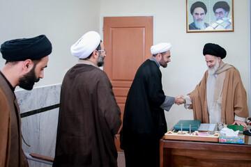 تصاویر/ نشست مدیرکل فناوری اطلاعات و ارتباطات حوزه با آیت الله حسینی بوشهری  با موضوع سامانه تقریرات دروس خارج