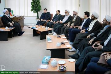 بالصور/ لقاء أمين المجلس الأعلى للعالم الافتراضي بآية الله الأعرافي بقم المقدسة