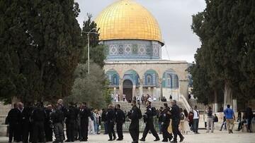 امروز دهها شهرکنشین یهودی به مسجدالاقصی یورش بردند
