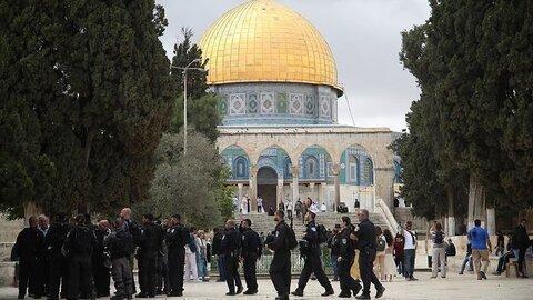 امروز ده ها شهرک نشین یهودی به مسجد الاقصی یورش برده اند