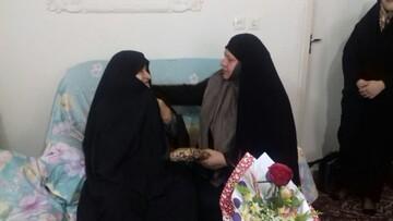 طلاب مدرسه فاطمة الزهرا(س) مراغه به دیدار خانواده شهید رفتند