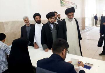 نماینده ولیفقیه در خوزستان رأی خود را به صندوق انداخت