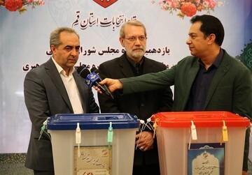 استاندار قم رای خود را به صندوق انداخت