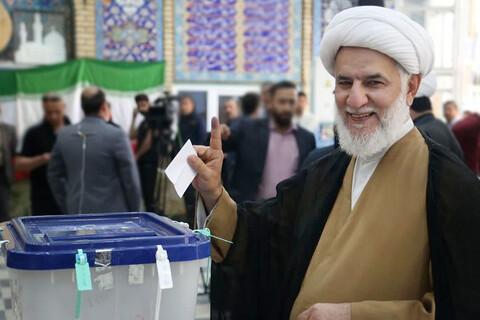 حضور حجت الاسلام و المسلمین حاجتی پای صندوق رأی