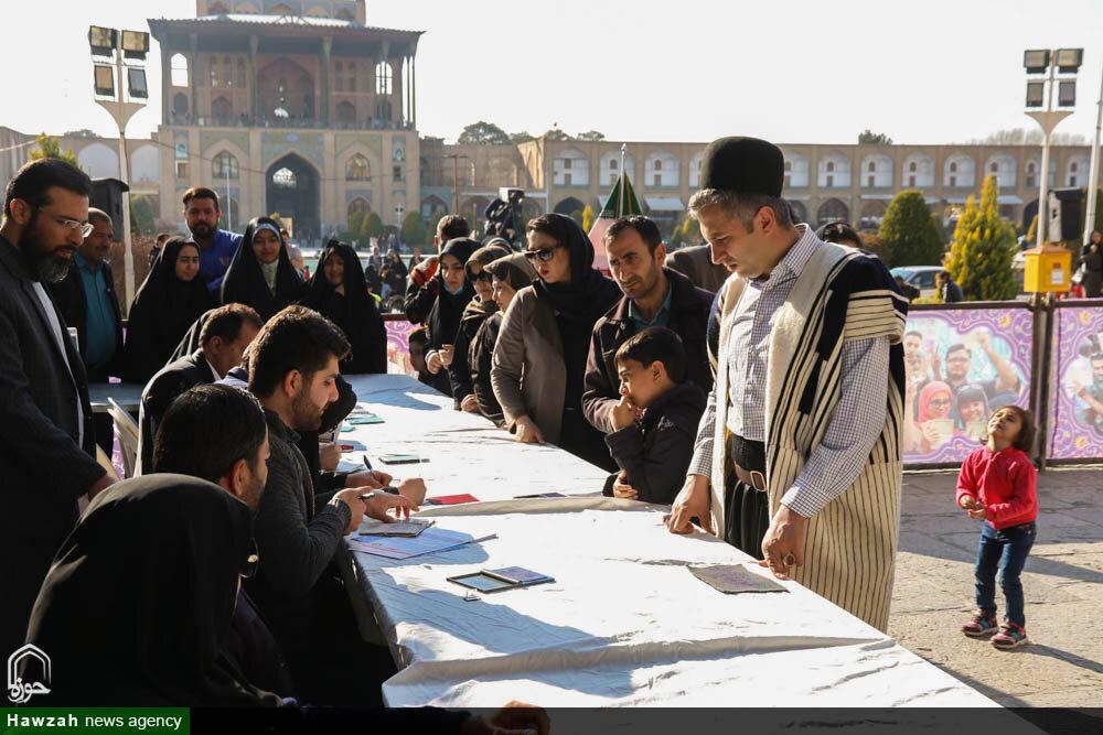 تصاویر/  حضور حماسی مردم انقلابی اصفهان پای صندوق های رأی