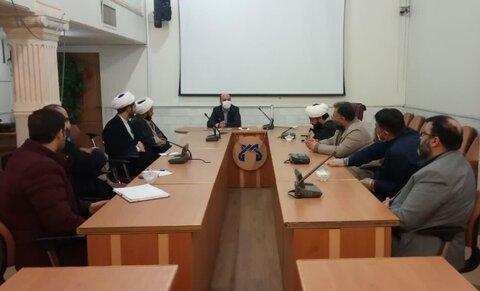 نشست سرگروه های طلاب جهادی با نماینده وزارت بهداشت در استان قم