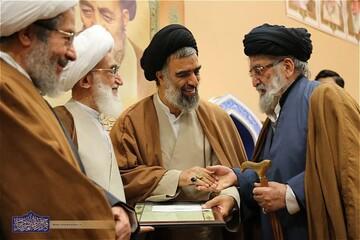 حجت الاسلام والمسلمین خسروشاهی عمر با برکت خود را عمدتاً به جهاد قلمی پرداخت