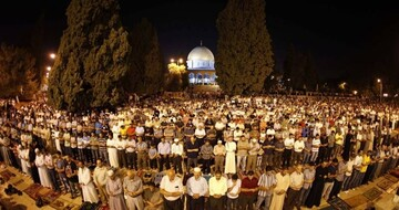 Thousands of Palestinians take part in Great Fajr Campaign