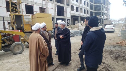 مدير الحوزة العلمية لمحافظة أذربيجان الشرقية يتفقد مراحل بناء مدرسة ثامن الأئمة (ع) العلمية بمدينة تبريز