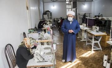 تولید روزانه ۱۵۰۰ ماسک و توزیع رایگان توسط مرکز نیکوکاری شهیدان دادی سهند