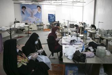 تصاویر/ تولید روزانه ۱۵۰۰ ماسک و توزیع رایگان توسط مرکز نیکوکاری شهیدان دادی سهند