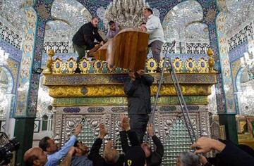 تاج جدید ضریح حضرت زینب در سوریه نصب شد