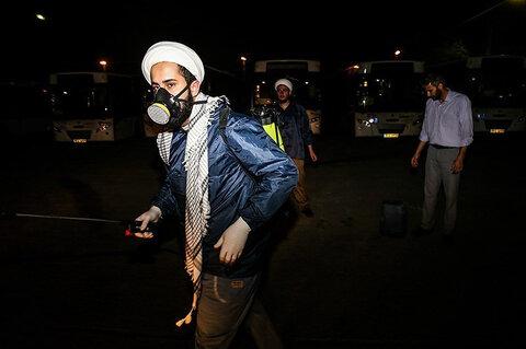 ضد عفونی ناوگان حمل و نقل عمومی توسط طلاب و روحانیون اهوازی