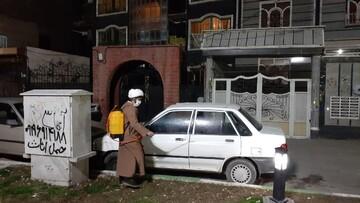 بالصور/ تعقيم مدينة ورامين الإيرانية على يد طلاب العلوم الدينية لمدرسة الإمام الصادق عليه السلام العلمية وعلمائها