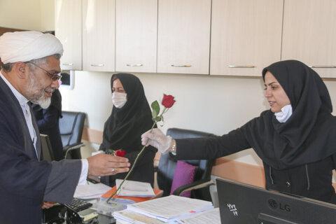 بالصور/ تقدير علماء محافظة خراسان الإيرانية من الأطباء والممرضين