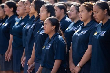 اجرای گروه سرود دانشآموزان بومی نیوزیلند در سالگرد حمله به مساجد کرایستچرچ
