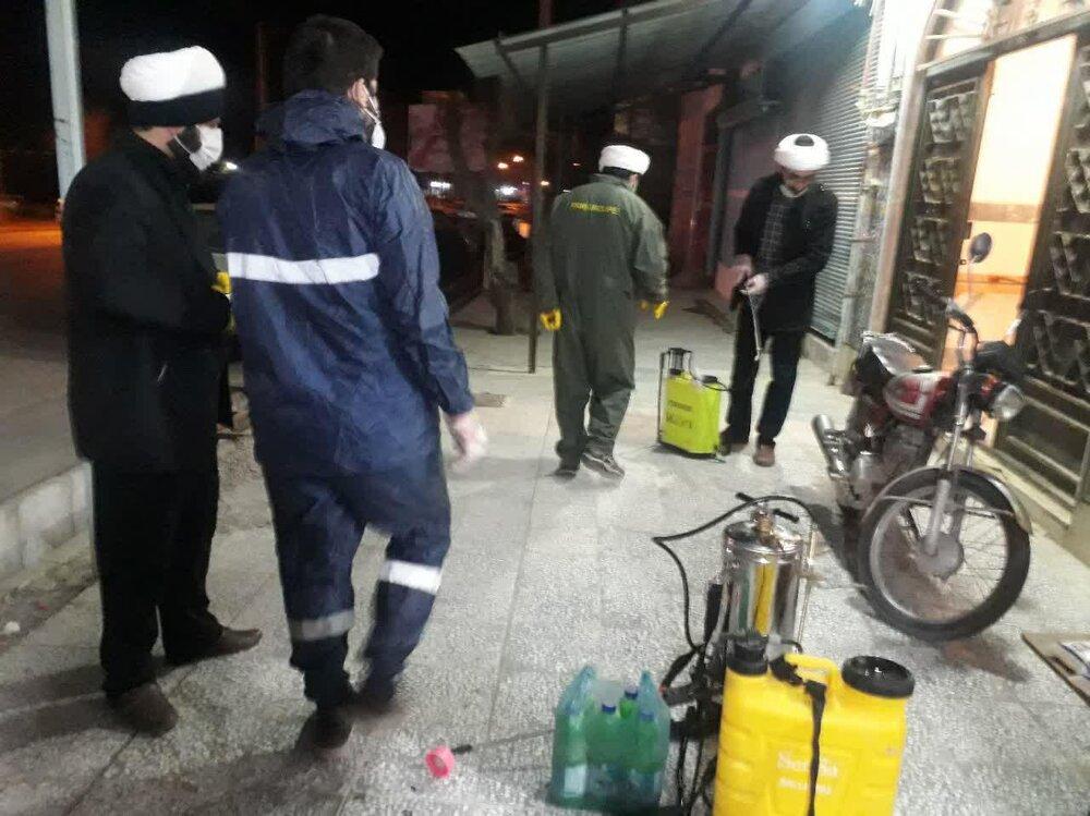 تصاویر/ ضدعفونی شبانه شهر نورآباد لرستان توسط روحانیون