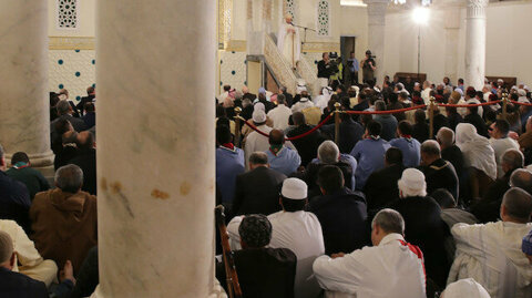 Algeria temporarily closes mosques to curb coronavirus