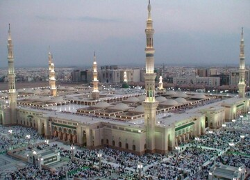 Saudi Arabia suspends prayer in all mosques apart from Two Holy Mosques