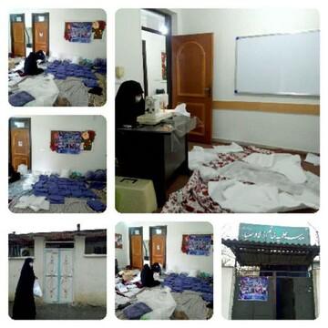 جهادگران سلامت فاضل آباد روزانه ۲۰۰ دست لباس کادر درمانی میدوزند+ عکس