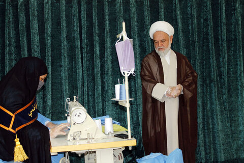 تصاویر/ بازدید نماینده ولی فقیه در خراسان شمالی از کارگاه تولید ماسک و گان