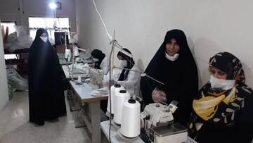 فیلم |  گزارشی از تولید ماسک رایگان توسط بانوان جهادی