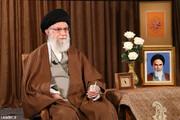 فیلم   قرائت صلوات مخصوص امام رضا(ع) در ابتدای سخنان رهبر انقلاب