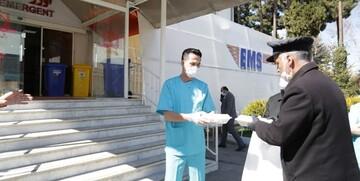 توزیع ۱۰ هزار پرس غذای متبرک امام رضا(ع) در بیمارستانهای تهران