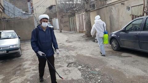 تصاویر شما/ طلاب جهادی پای کار مبارزه با ویروس کرونا