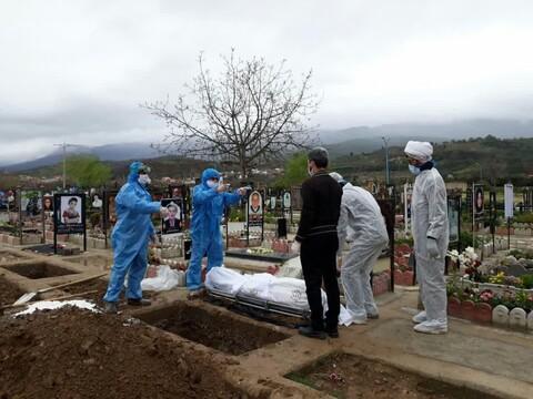 تصاویر شما/ تدفین جانباختگان کرونایی توسط طلاب جهادی مازندران