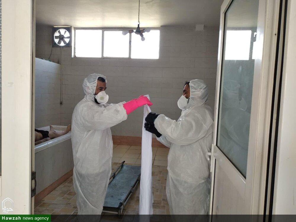 بالصور/ خدمات ونشاطات طلاب العلوم الدينية وعلماء الحوزة العلمية في مكافحة فايروس كورونا في إيران