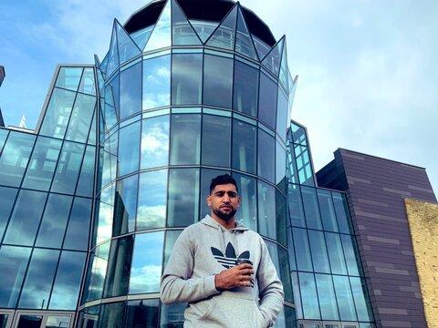 کمک ۵ میلیون یورویی ورزشکار مسلمان بریتانیایی برای مقابله با کرونا