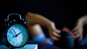 ۱۲ راه حل موثر غلبه بر بی خوابی ایام کرونایی