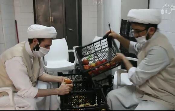 فیلم |  حضور مدیر حوزه علمیه یزد در بیمارستان و قدردانی از کادر درمانی