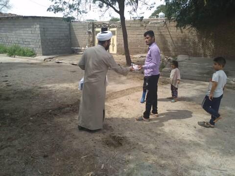 ما زال طلاب العلوم الدينية المتطوعون في الخط الأمامي لمكافحة كورونا