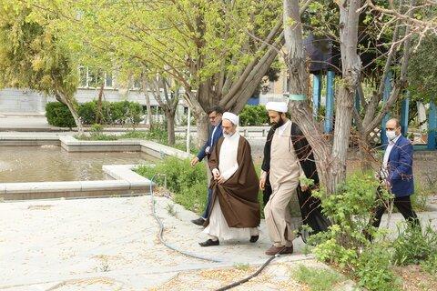 تصاویر/ ادای احترام آیت الله اعرافی به شهدای گمنام مدرسه علمیه معصومیه قم