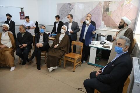 تصاویر/ بازدید آیت الله اعرافی از قرارگاه مردمی کریمه اهل بیت(س)