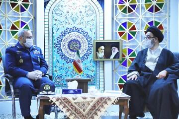 دیدار فرمانده نیروی هوایی ارتش با امام جمعه تبریز