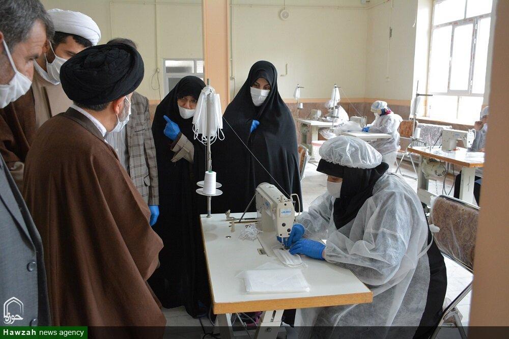 تصاویر/ بازدید نماینده ولی فقیه در آذربایجان غربی از کارگاه تولید ماسک و لباس بهداشتی