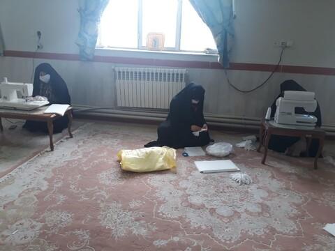 تصاویر /فعالیت گروههای جهادی طلاب خواهر تبریزی و شبستری برای مقابله با کرونا