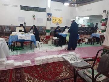 فیلم | فعالیتهای جهادی طلاب و بسیجیان مرندی در مبارزه با کرونا