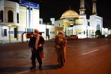 ضدعفونی معابر شیراز با تلاش طلاب جهادی