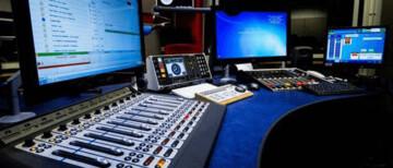 Muslim prayers to be broadcast on radio during coronavirus mosque closures