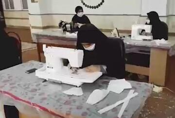 فیلم/ تولید ماسک توسط بانوان طلبه مدرسه علمیه حضرت خدیجه(س) سوسنگرد