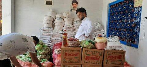 توزیع مواد غذایی رایگان توسط موسسه فرهنگی اهل بیت (ع) هند+تصاویر